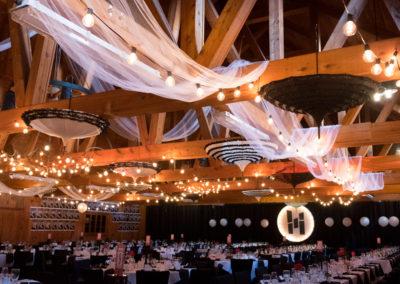chandelier-specialiser-evenement-corporatif-granby-erabliere-la-grillade-granby